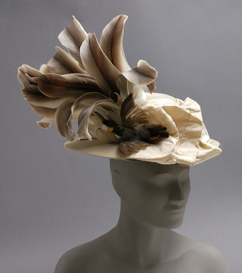 Those feathers are filling me with hat lust.  defunctfashion:  simply incredible. omgthatdress:  Hat 1900-1918 The Philadelphia Museum of Art