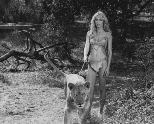 retrogirly:  Tanya Roberts =^..^=
