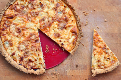 yummyinmytumbly:  Gorgonzola Apple Quiche