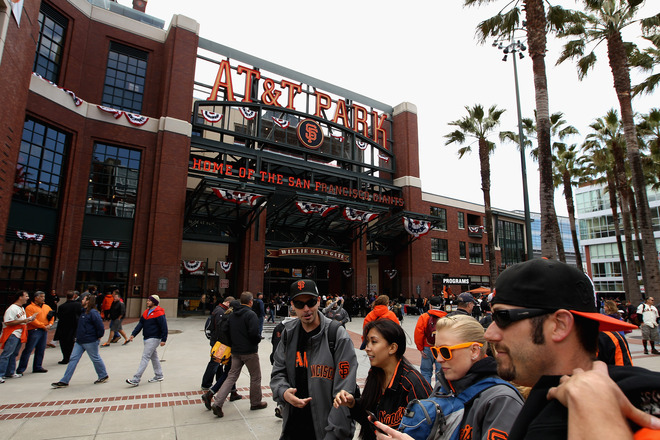 stadium-love-:  Photos from the San Francisco Giants home opener against the Pittsburgh Pirates at AT&T Park on April 13, 2012.