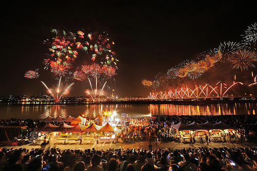 connipti0n:  Fire Works, overlapped by Photoshop (by wee_photo)
