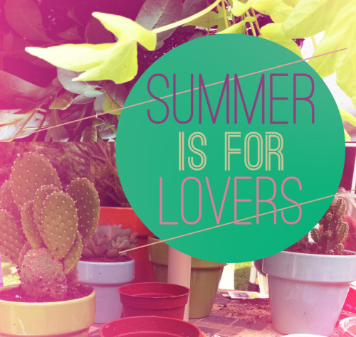 Learn how to make this awesome summerishy (my newest made up word) photo technique in photoshop. It's super easy and I'm loving this effect! Check it out on Poppytalk.