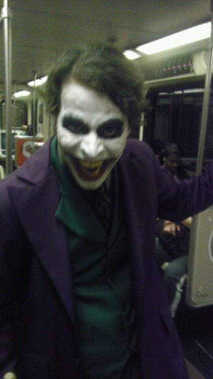 woahitsjuan:  So I go on the subway and fucking joker is there 0_0