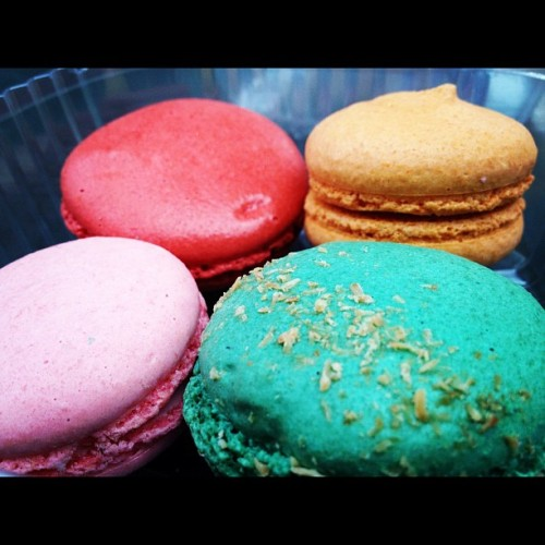 #macaron so pretty. strawberry guava, red velvet, piña colada, mango lime. :) (Taken with instagram)