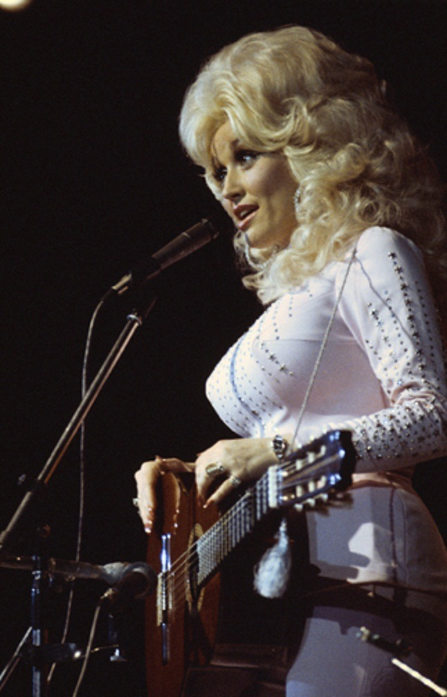 futurasatana:  dolly parton