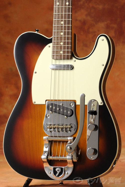 FENDER JAPAN CUSTOM TELECASTER w/ BIGSBY