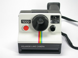 Just bought a Polariod 1000 off Ebay for £12.00, bargin! Always wanted a polariod, another camera to the collection!