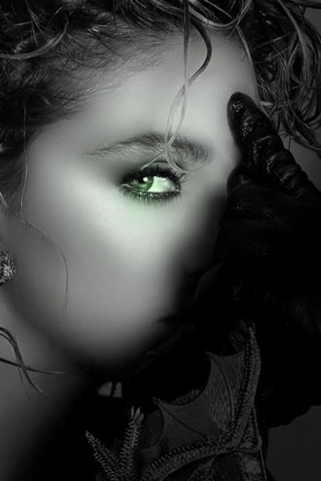 whispering-tree:  I have a weakness for green eyes…