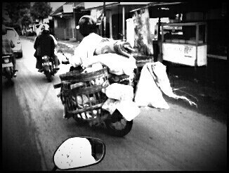 On the road#andrography #CapturedMoment #indonesia #streamzoo #photography(from @willdan14 on Streamzoo)