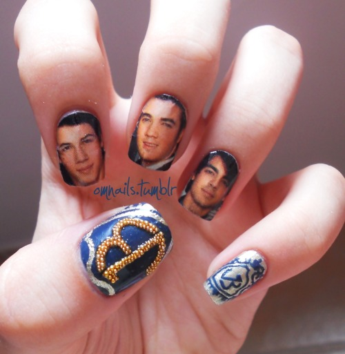 The Jonas Brothers ♥ (facebook) (omnails) (jonas blog) (twitter)
