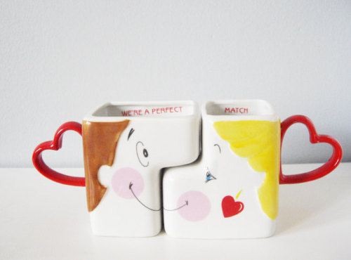 Vintage His & Hers kissing mugs // http://www.etsy.com/listing/97536860/vintage-his-hers-kissing-mugs-romantic