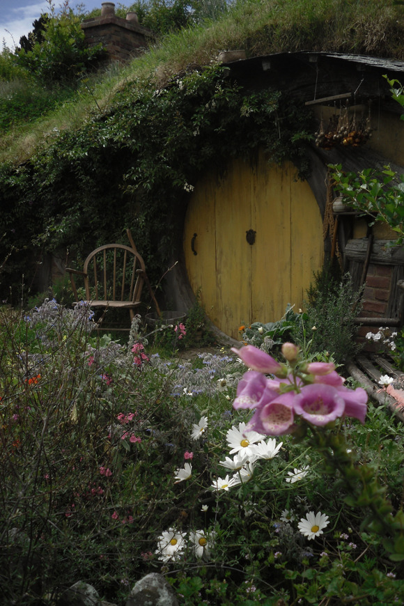 culturedwind:  I've always wanted to live in a hobbit home.