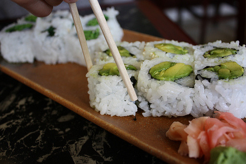 st4rbucks-dr1nk:  sh4rki:  p4nda-bear:  sushi is the sexiest food alive  avocado rolls >  oh my god. I loove sushi. <3