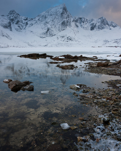wingedskull:  Lofoten Islands, Norway by pboehi on Flickr.