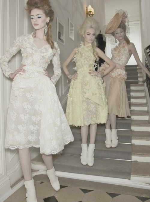 the-front-row:  backstage at Christian Dior couture spring/summer 2010