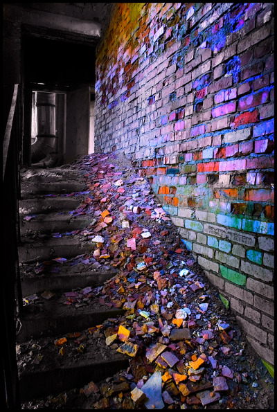 bombayelectric:  Color Decay