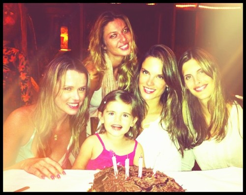 Image from Alessandra Ambrosio's official twitter account @AngelAlessandra