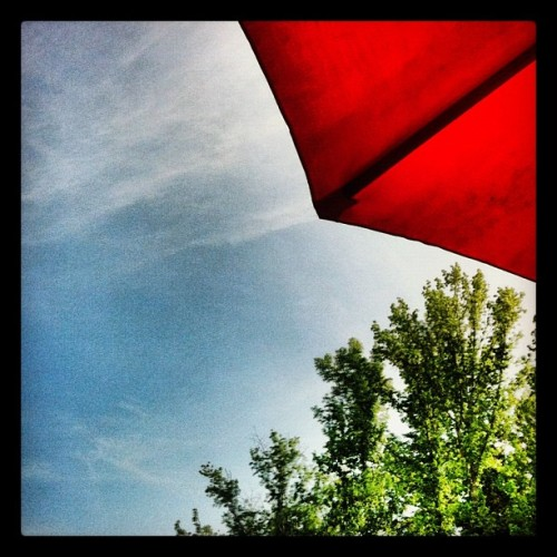 #rest #shade #umbrella #trees #red #up #blue #sky #prohdr (Taken with instagram)
