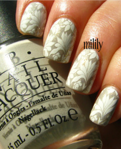 mililypolish:  OPI Skull & Glossbones topped with China Glaze White Cap and stamped with Konad White.  Plate: RA-109