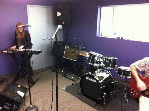 sorelmhurst:  Trying out some of the new gear for the School of Rock opening next Saturday!  Yours truly in my new gig at School of Rock!!!