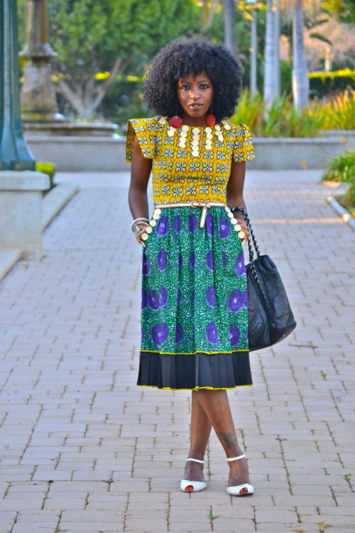 pipercarter:  Folake Kuye Huntoon from stylepantry.com is on one my favorite style queens!