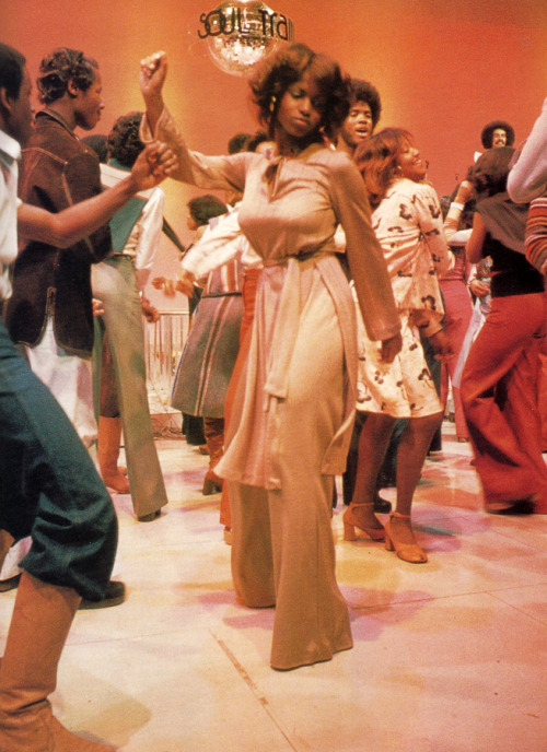 superseventies:  Soul Train dancers, 1970s.