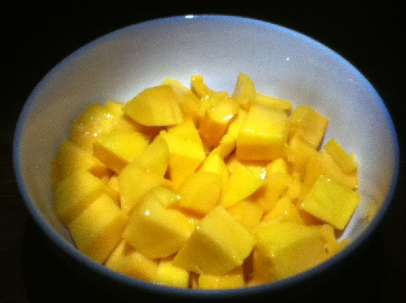 prettygirlfood:  Mangoes are the best!