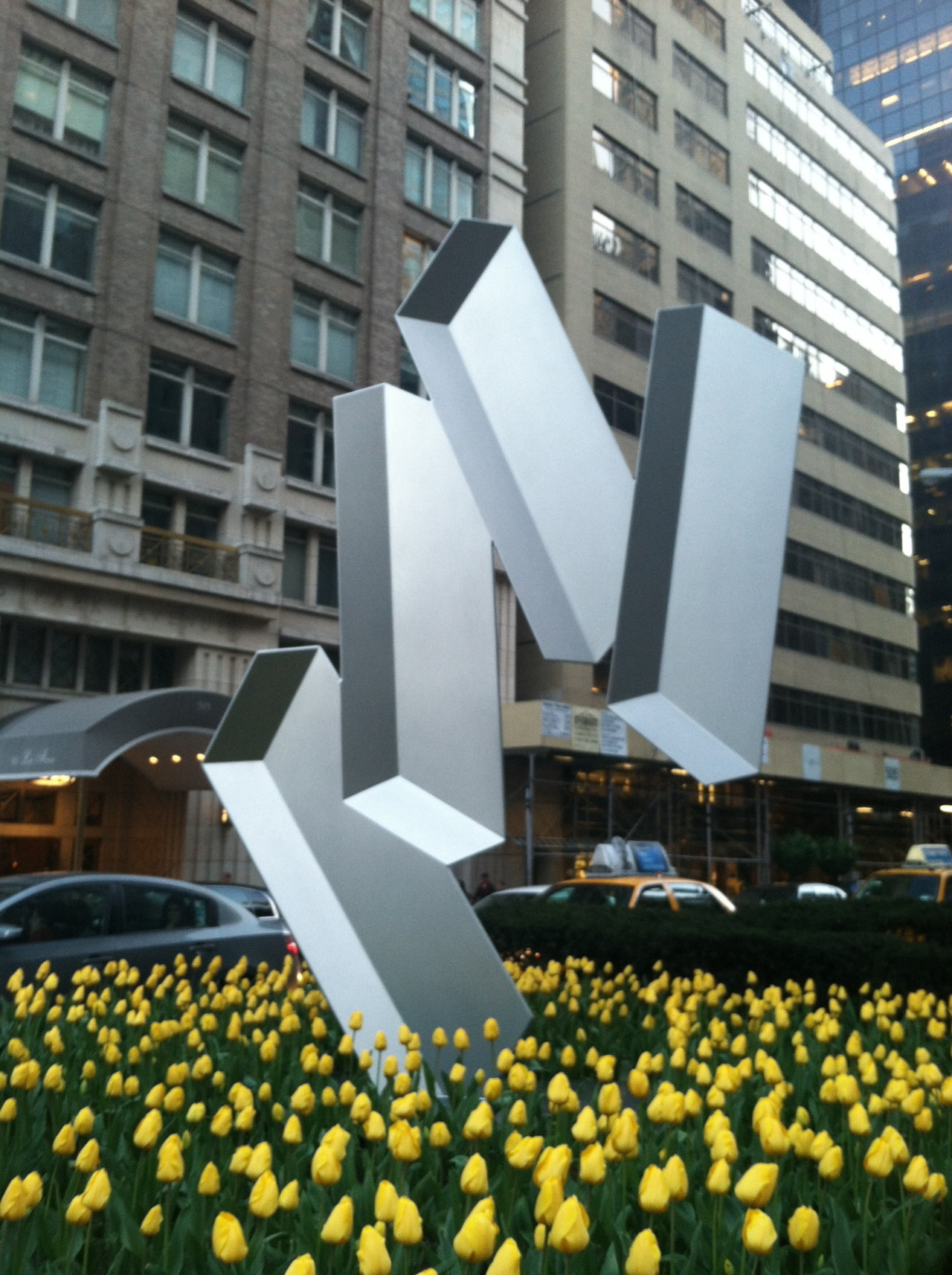 thirty/three. park avenue dimensional sculptures.