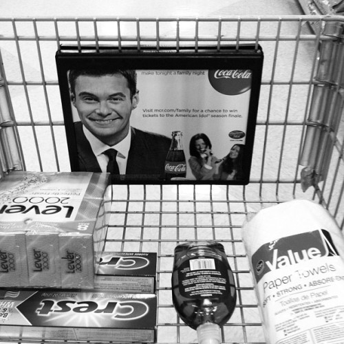 Shopping while Ryan Seacrest stares at you with a smile is creepy.  (Taken with Instagram at Fred meyer nopo)