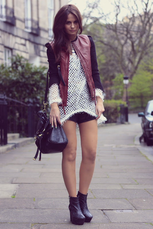 Top: c/o Romwe, Jacket:H&M, Boots: H&M, Alexa Bag: Mulberry (image: catsandrockingchairs)