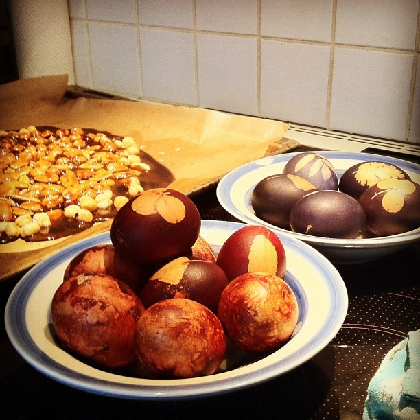 Orthodox #easter #eggs #colored with #onion peel and #blueberries. Also nuts ready for #praline. Hristos Vaskrse to all you who celebrate today! <3 (Taken with instagram)