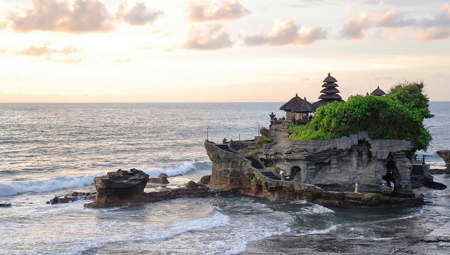 Tanah Lot Temple, Bali by The Exo Guy on Flickr.