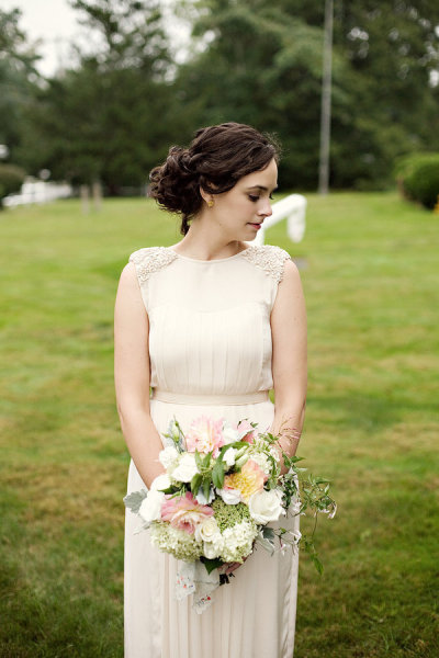 I love everything about this vintage bride. Photo Credit: Style Me Pretty