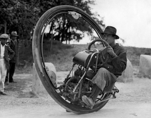 The Monowheel A monowheel build by the Motoruota company, which was founded by Davide Gislaghi.. It was capable of 150 kph, or about 93 miles per hour. Imagine driving one a monowheel. It must be an awesome experience.