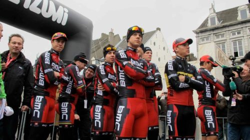 Amstel Gold 2012 BMC wait to sign in. (via Amstel Gold Race)