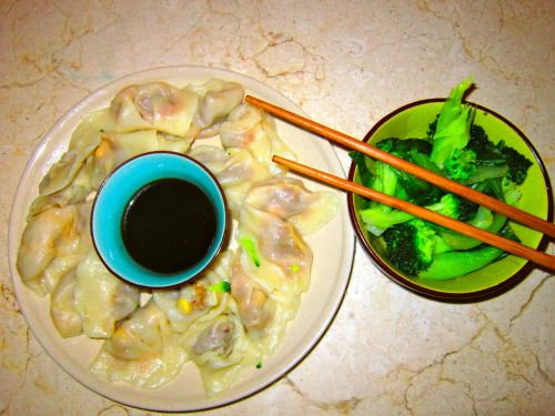 I might be getting a handle on chinese cooking! most successful dumpling batch to date!