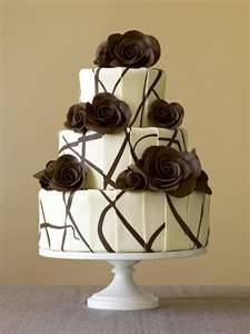 cakrybakry:  Black and white flower cake