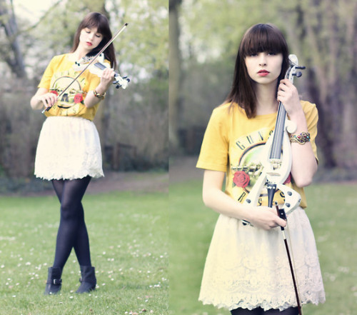 bassecouture:   I love my violin + giveaway (by The Mad Twins -)