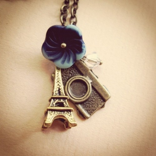 Summer necklace with Eiffel Tower and Camera #igdaily #ipad #iphoneasia #iphone #photoaday #igersmanila #instagramers #instagramhub #necklace #camera #instadaily #instamood #insta  (Taken with instagram)