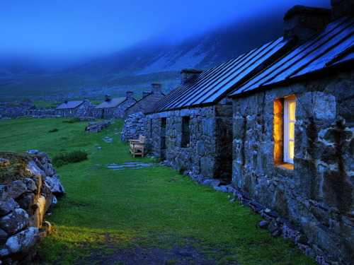 bluepueblo:  Blue Dusk, Stone Cottages, Wales photo via happy