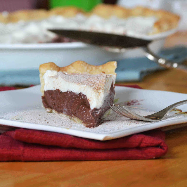 gastrogirl:  chocolate peanut butter cream pie.  I love this quirky post & am dying to try this recipe.