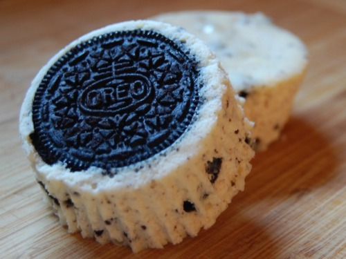 diiirtypony:  icarus-sf:  thecakebar:  Cookies n Cream Cheesecake Cupcakes! (recipe)  I can't even process how delicious that looks.  I don't even like cheesecake… but I need this
