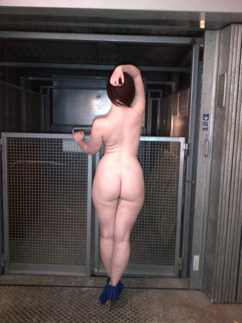 jayerose:  Working hard #ass
