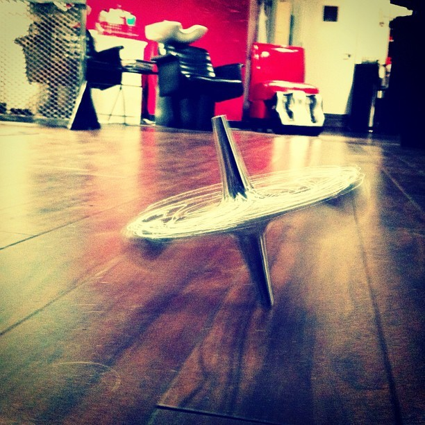 #hardwood #top #spinning #hair #salon #toy #chrome (Taken with instagram)