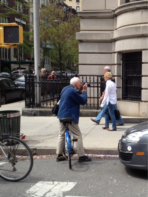Celebrity Sighting The great Bill Cunningham photographing cherry blossoms outside Saint Ignatius Loyola Church on 84th and Park Avenue April 15, 2012, 1:15 p.m.