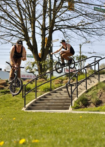 Ryan - Double Peg down curved rail to bars out