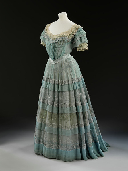 Lucile was noted for her layering of sheer fabrics as can be seen in this 1905 evening dress. The robin egg's blue color is absolutely gorgeous!