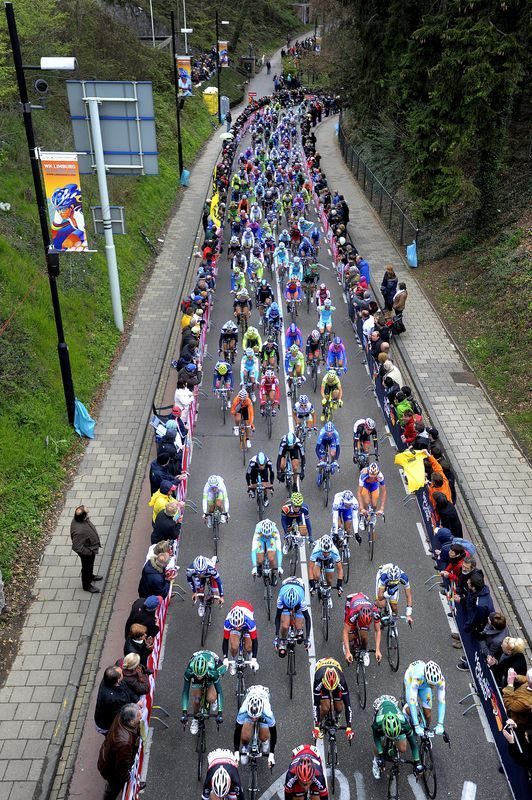fuckyeahcycling:</p> <p>The pack rides on the platoon on the Cauberg during the 47th Amstel Gold Race in Eckelrade, on April 15, 2012. AFP PHOTO / ANP / TOUSSAINT KLUITERS netherlands out (via The Pack Rides &#8211; Yahoo! Sports Photos)<br /> &#8221; /></p> <p>Found at <a href=