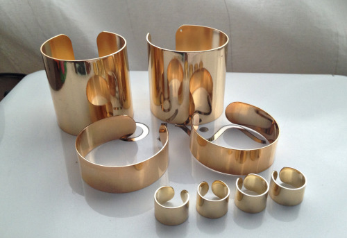 Cuff Collection PERSONAL: Gold tone thin and wide cuffs from Asos, gold plated ring set by Maison Martin Margiela (peek the same ring set but in rose gold plating here).