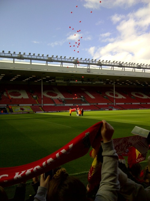 my-little-rambles:  The release of the 96 balloons during the Hillsborough Memorial Service